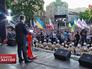 Кандидат в президенты Украины Петр Порошенко выступает перед перед избирателями