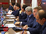 Московские чиновники на заседании