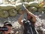 Бойцы Нацгвардии Украины ведут обстрел