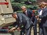 Сергей Собянин возлогает цветы к воинскому мемориалу в Севастополе