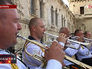 Военный оркестр играет в день города Севастополя