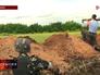 Украинские военные ведут обстрел из гранатомета