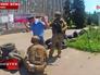 Украинские военные арестовывают милиционера