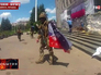 Украинские военные у здания администрации Славянска