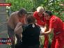 Пострадавшая женщина в результате артобстрела Донецкой области