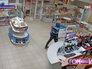 Грабители в магазине