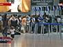 """Пассажиры в аэропорту """"Бен-Гурион"""""""