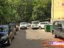Парковка машин во дворе