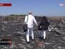 """Родственники погибших пассажиров Boeing 777 """"Малайзийских авиалиний"""" на месте крушения"""