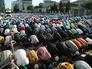 Мусульмане во время торжественного намаза по случаю праздника Ураза-байрам