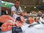 Продажа семги на рынке