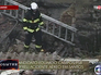 Спасатели на месте падения самолета в Бразилии