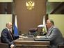 Президент России Владимир Путин и руководитель Федеральной таможенной службы Андрей Бельянинов