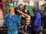 Народные ополченцы Новороссии раздают хлеб жителям Донецкой области