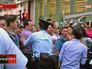 Полиция Гонконга успокаивает протестующих