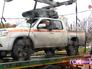Водитель не даёт увести свою машину на эвакуаторе