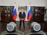 Президент России Владимир Путин проводит церемонию запуска последнего из десяти гидроагрегатов Саяно-Шушенской ГЭС