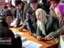 Очередь жителей Луганской области за гуманитарной помощью
