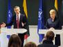 Генсек НАТО Йенс Столтенберг и президент Литвы Даля Грибаускайте
