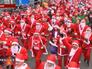 Забег Санта-Клаусов в Париже