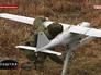 Военнослужащий запускает беспилотник