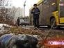 Инспектор Госадмтехнадзора фиксирует мусор на обочине