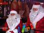 Деды морозы встречают новогоднюю елку