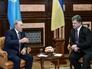 Президент Украины Петр Порошенко и президент Республики Казахстан Нурсултан Назарбаев во время встречи в Киеве