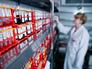 Пробирки с кровью в лаборатории