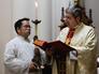Священнослужители во время празднования Рождества Христова в католической церкви