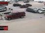 92-летний автовладелец выезжает на стоянке
