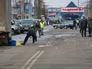 Сотрудники правоохранительных органов работают на проспекте маршала Жукова в Харькове, где во время шествия погремел взрыв