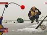Любитель зимней рыбалки