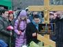 Жители Москвы на похоронах политика Бориса Немцова