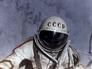 Летчик-космонавт СССР Алексей Леонов в открытом космическом пространстве