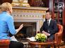 """Председатель правительства РФ Дмитрий Медведев во время интервью телерадиокомпании """"Радио и Телевидение Словении"""""""