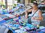 Полиция проверяет придорожную торговлю