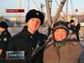 Матрос Михаил Балов и его мать Людмила Балова
