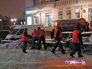 Уборка снега на улице в Москве
