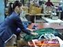 Швея в цехе по пошиву одежды