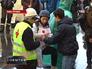 Активисты помогают пострадавшим в акции протеста в Киеве