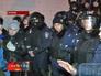 Протестующие разоружают украинскую милицию