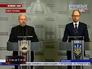 Главнокомандующий Вооружёнными силами Украины Александр Турчинов и Арсений Яценюк, председатель политического совета партии