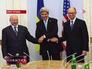 Государственный секретарь США Джон Керри, и.о. президента Украины Александр Турчинов и премьер-министр Украины Арсений Яценюк