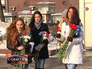 Девушки отмечают праздник 8 марта