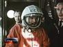Юрий Гагарин на стартовой площадке