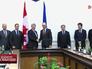 Премьер-министр Канады Стивен Харпер и премьер-министр Украины Арсений Яценюк
