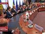Украина и ЕС подписали политический блок соглашения об ассоциации