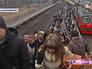 """Пассажиры идут по надземному переходу на станции """"Бескудниково"""""""