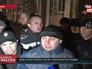 """Собрание бывших бойцов спецподразделения """"Беркут"""" у суда"""